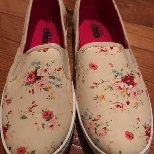 Shoes - Size 7 Floral Slip On Shoes